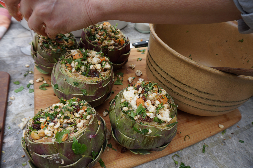 vegetarian-artichokes-lunch-france