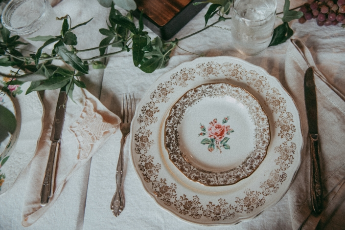 antiques-plate-catering